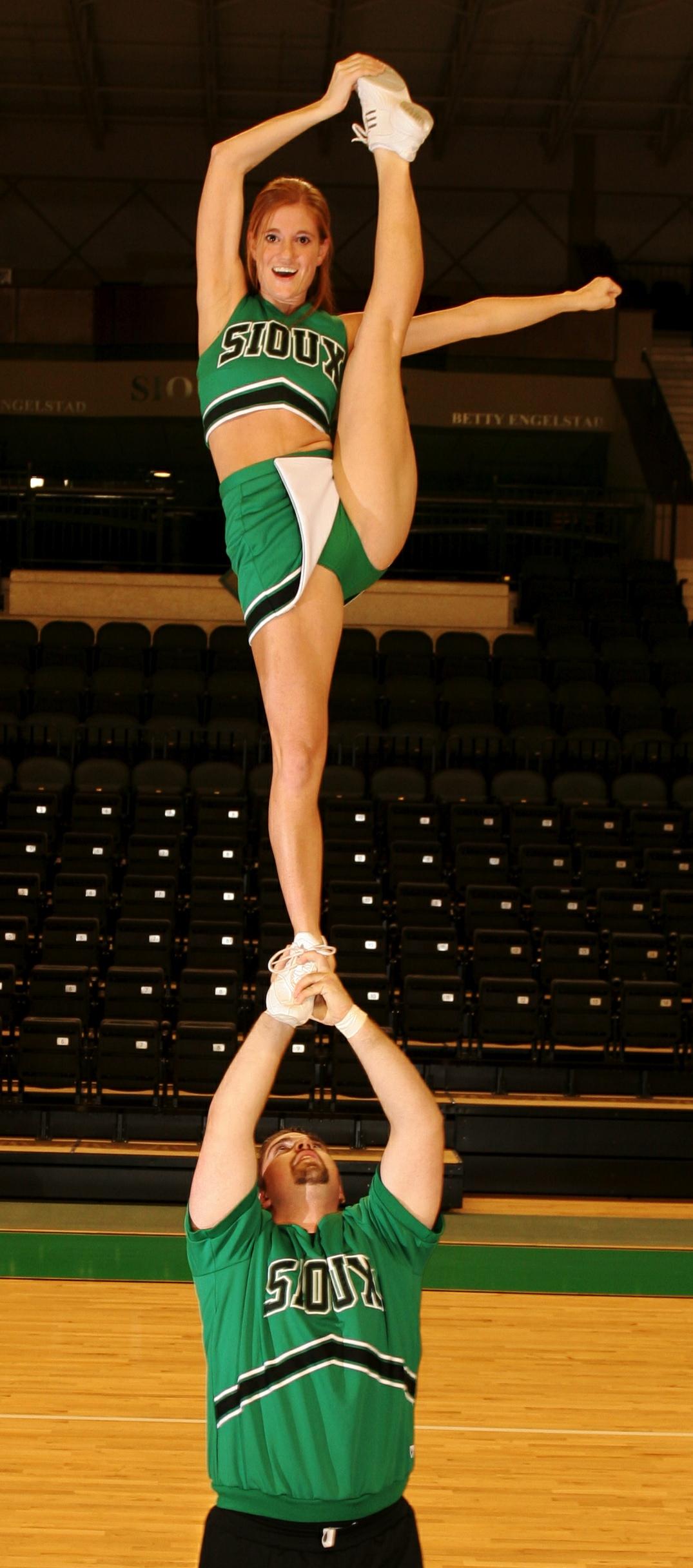 Cheerleading Exercises To Improve Flexiblity Fast