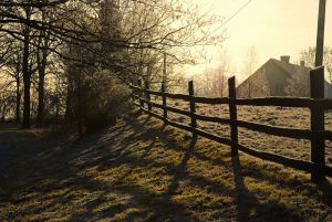 how install 3 rail horse fencing : Overview :