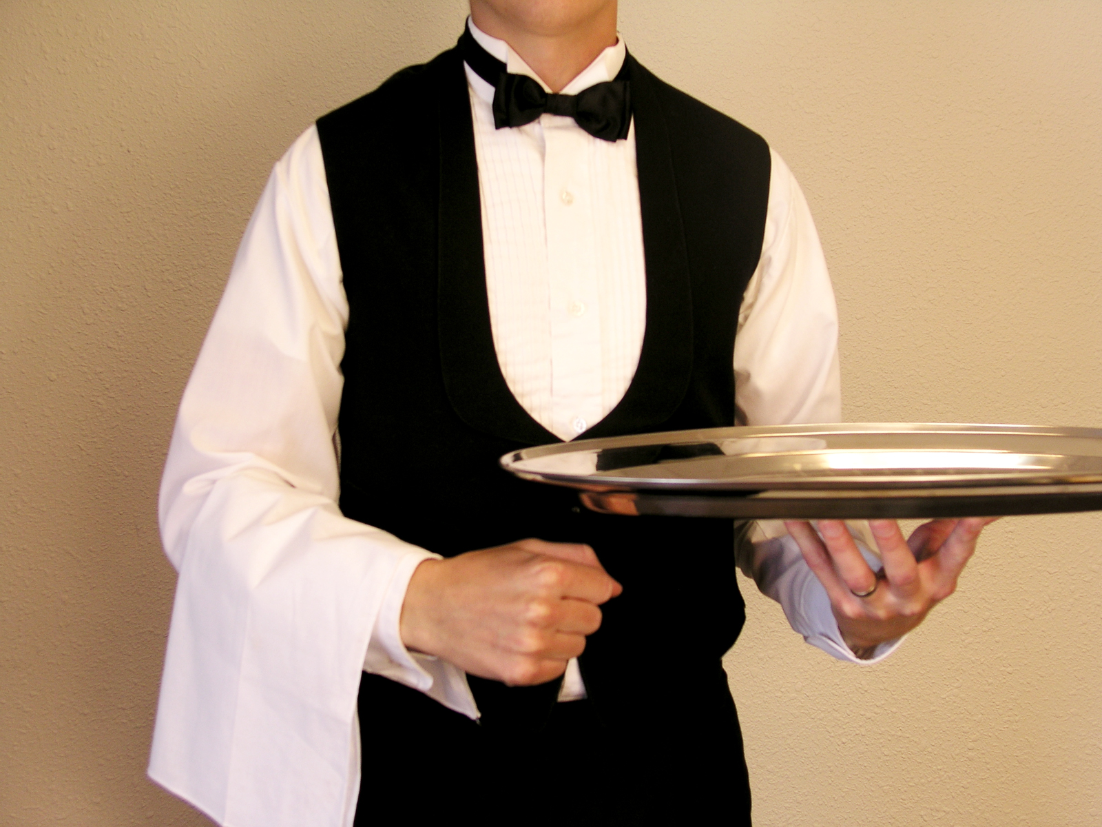 job description for an upscale restaurant waiter