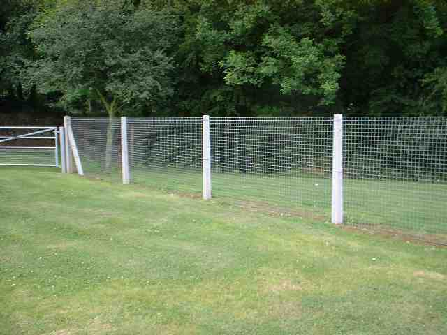 how build mesh fence horses : Overview : Welded mesh fencing