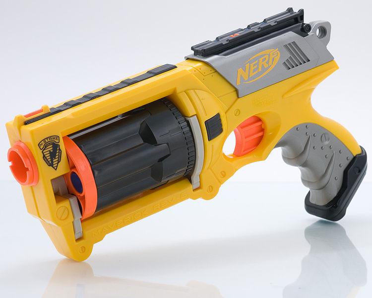Nerf Hasbro Dart Tag 1G Quick 16 Banana Clip Pump Style Blaster Gun- 2010-
