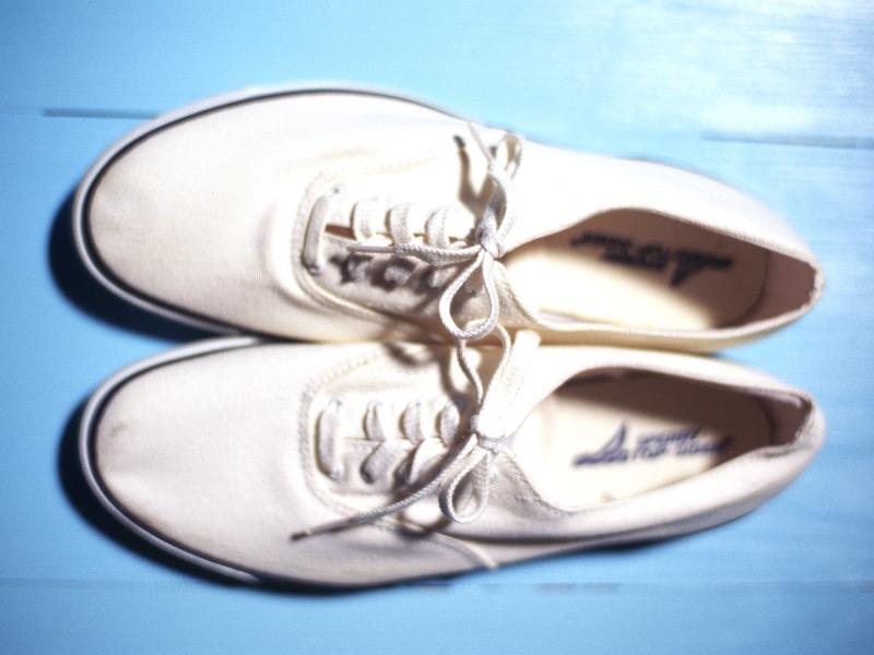 fe52030d50f Como limpar um tênis de tecido branco