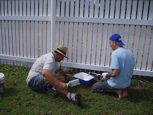 Fence painting tips ehow uk - How to paint a wood fence ...
