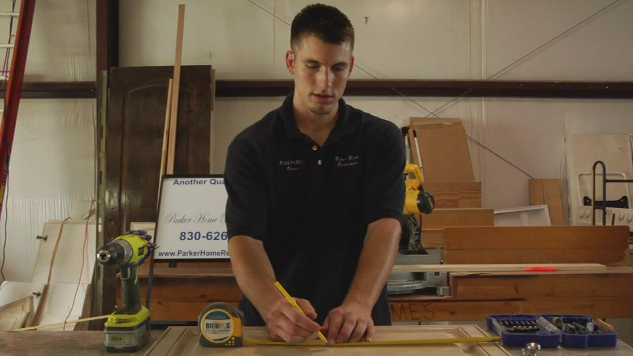 How To Install Crown Molding On Kitchen Cabinets Ehow Com