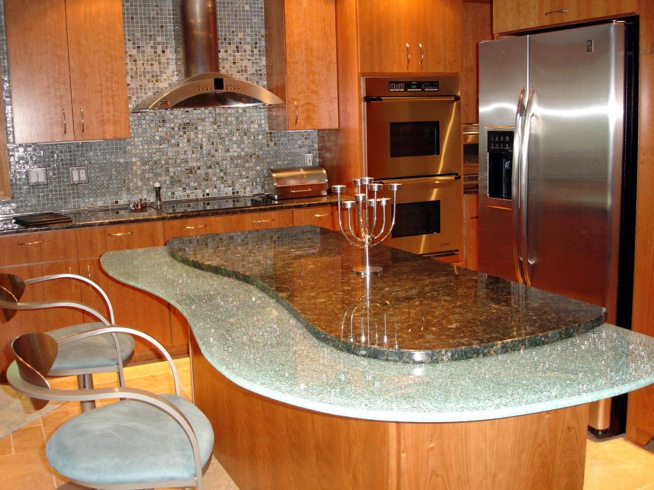 Happy living ideas for kitchen islands Granite kitchen design ideas