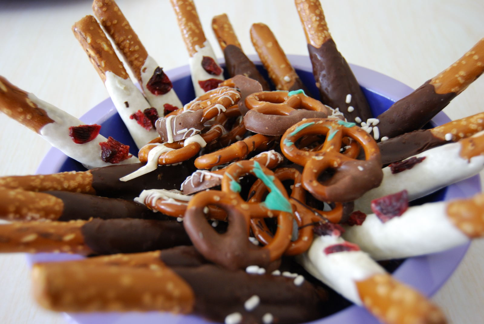 How to Make Chocolate Covered Pretzels image by Thank you for blogger ...
