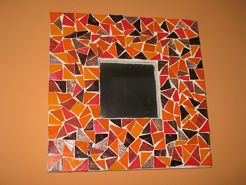 Do it yourself mosaic mirrors ehow uk for Mirror yourself