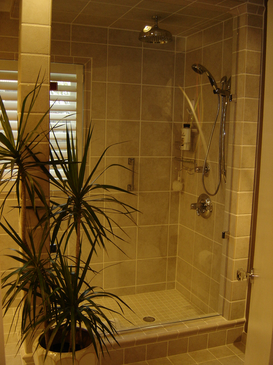 Pictures of ceramic tile showers