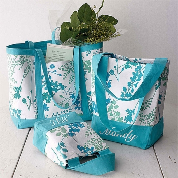 Ideas For Bridal Gift Bags : Wedding Guest Gift Bag Ideas eHow UK