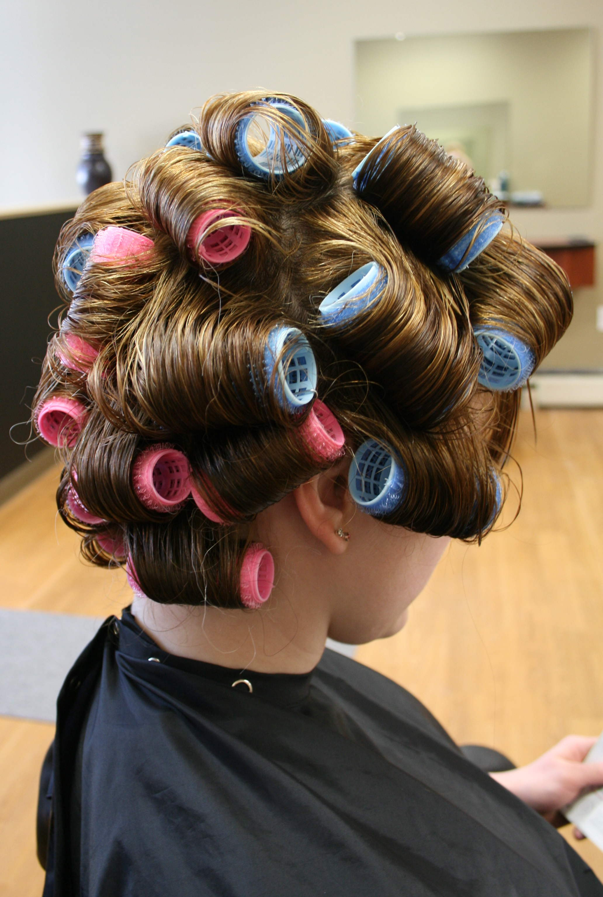 How To Use Velcro Rollers On Long Hair Ehow Uk